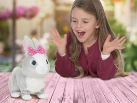 IMC Toys - Интерактивно зайче BETSY 95861